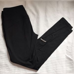 Pants - Small lined black leggings with mesh detail